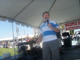 Preaching during the Venice Beach Gospel Rally in 2009.